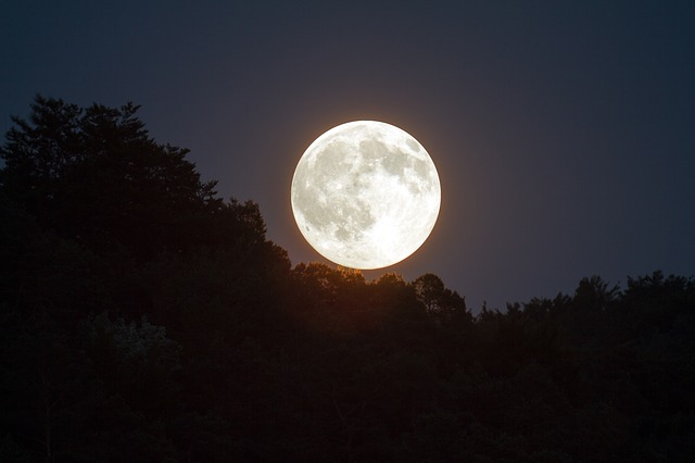 Les 4 effets de la pleine lune sur l'homme prouvés par la science